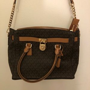 Michael Kors crossbody purse!